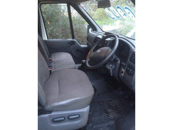2005 LWB Crew cab Ford Transit Pickup/dropside. MOT Taillift