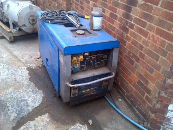 11 Kva Generator / Welder, 3 cylinder Honda diesel engine, super silent on wheels.