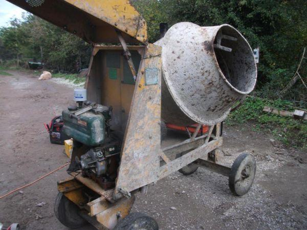 BENFORD CEMANT MIXER WHITH LISTER DIESEL ENGINE