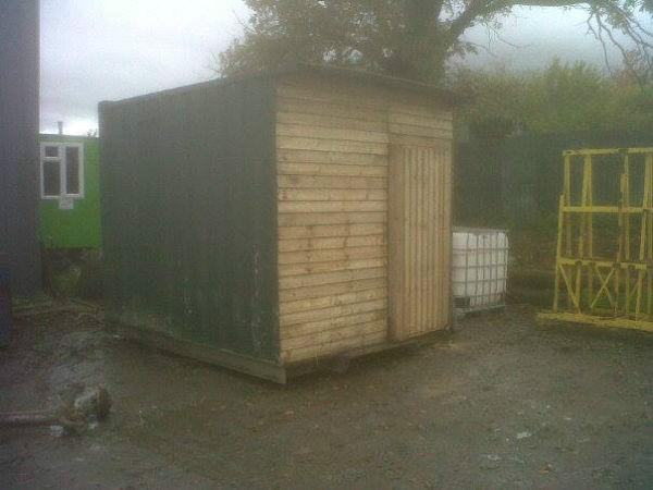 container shed hay/straw storage box