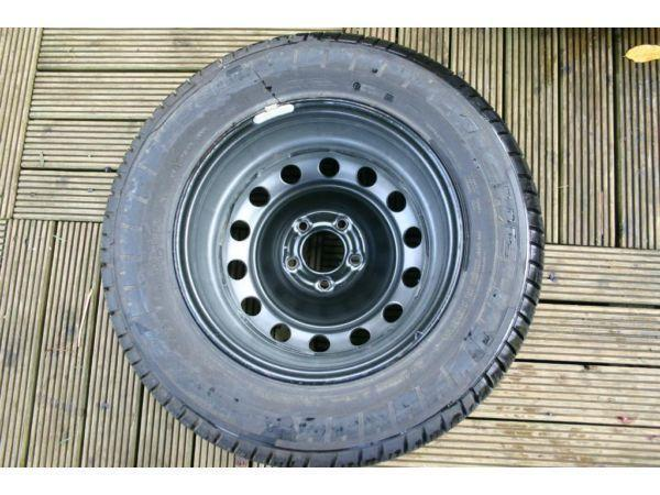 Van Spare wheel with tyre Michelin (brand new) 215/65/ R15C 5 stud, Citroen, vw, ford.
