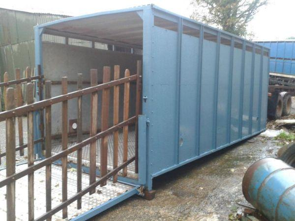 Cattle container