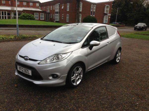 FORD FIESTA SPORT VAN TDCI LOW MILES ONLY 4000 MILES FROM NEW
