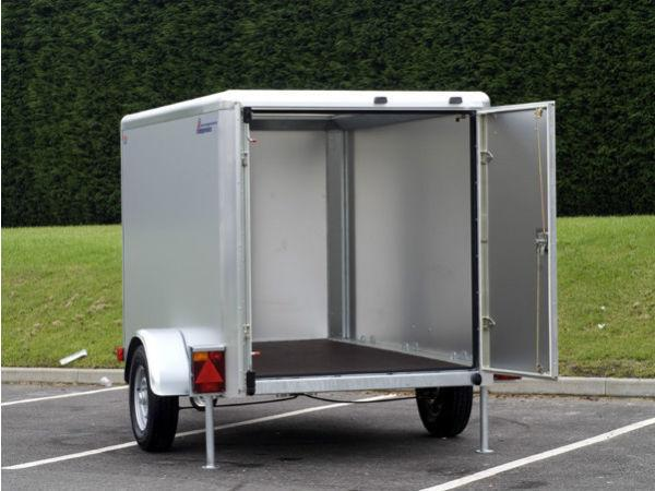 Indespension 6 x 4 box trailer for sale hardly used only 3 yrs old
