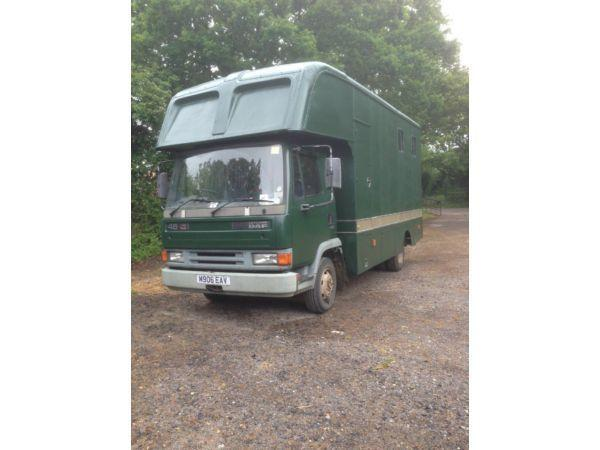 Leyland Daf45 horse-box carries 3/4. No living.