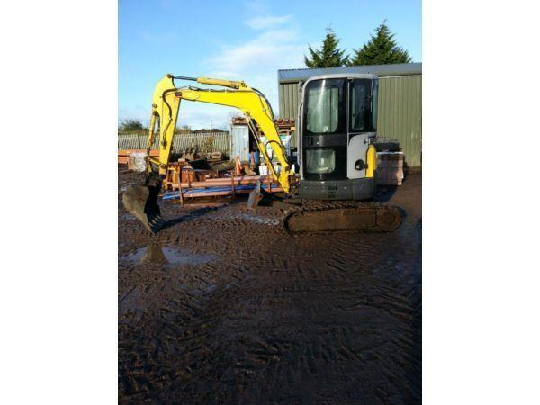 mini digger newholland 2009 (1900hrs)