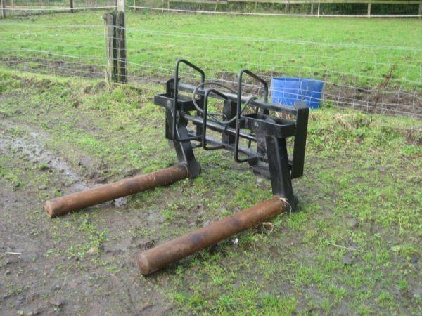 Used Bale Grab Hydraulic - no brackets fitted