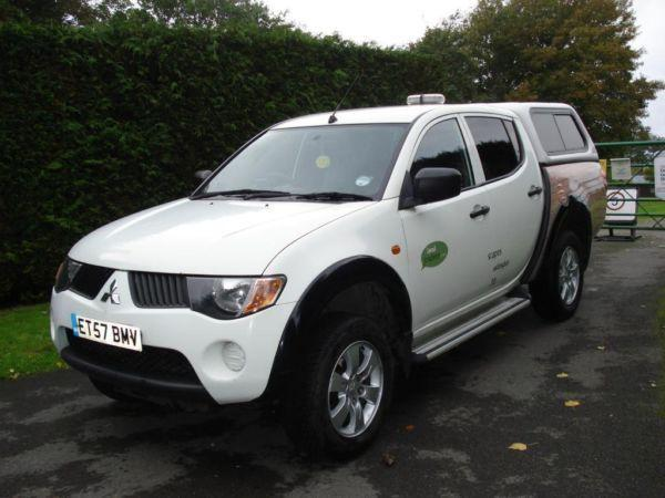 Mitsubishi L200 4 work DID 2.5 Diesel Manual 2008 £4950 O.V.N.O.