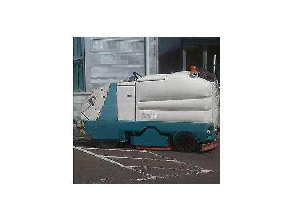 TENNANT 7400 Scrubber Drier sweeper for sale